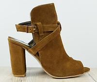 Босоножки замшевые коричневые на устойчивом каблуке, фото 1