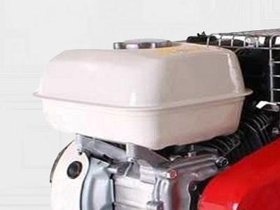 Вместительный топливный бак культиватора Pubert Power 55 PC3