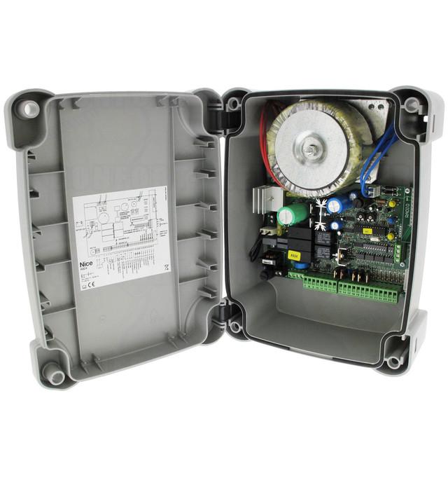 Блоком управления NICE A924 для приводов серии SUMO