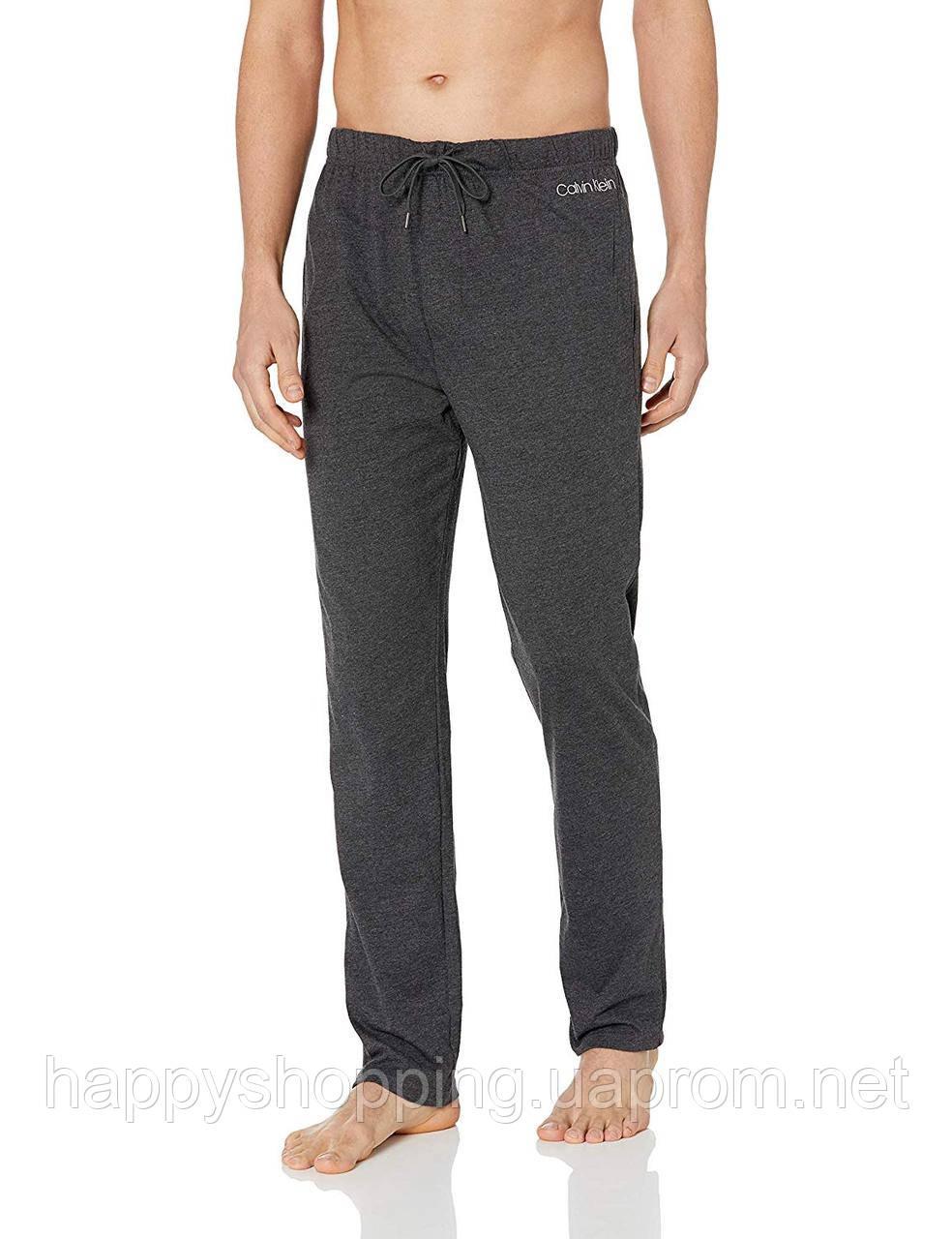 Мужские темно-серые спортивные штаны  популярного бренда Calvin Klein