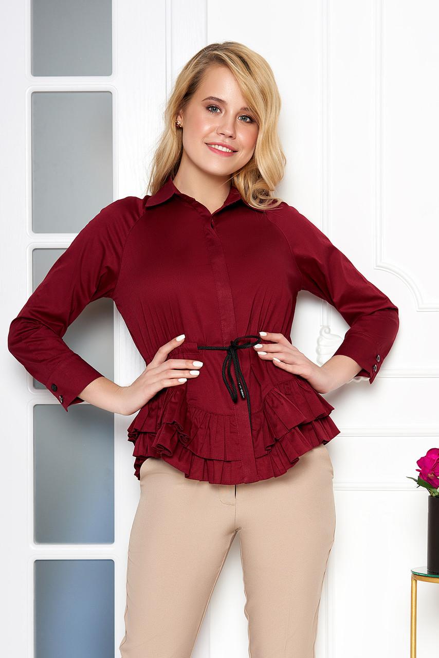 Красивая блузка с поясом и рюшами бордовая