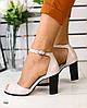 Босоножки пудровые кожаные на каблуке
