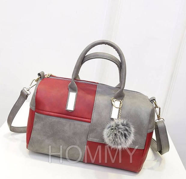 c8ba3862e83e Женская сумка из PU-кожи с подвеской-бубончиком. 30*25*11см, цена 422 грн.,  купить в Одессе — Prom.ua (ID#923874805)