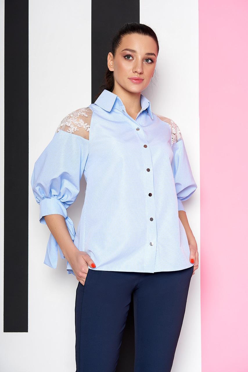 Нарядная голубая блузка-рубашка с гипюром