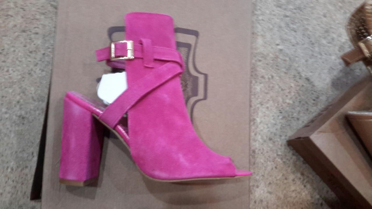 Женские замшевые босоножки на высоком устойчивом каблуке, цвет розовый