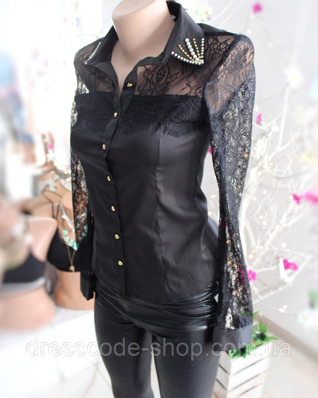46abb133a63 Черная блуза с кружевными рукавами