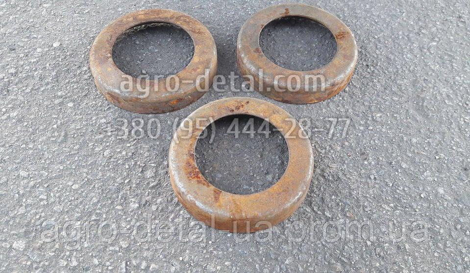 Кольцо 77.30.131-1 каретки подвески защитное гусеничного трактора ДТ 75