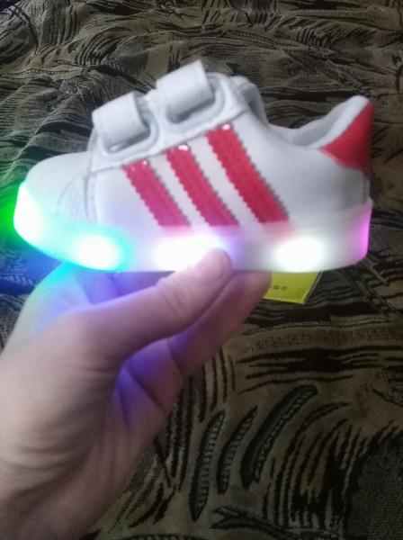 14068ee3 Кроссовки детские с LEG подсветкой красные полоски: продажа, цена в ...