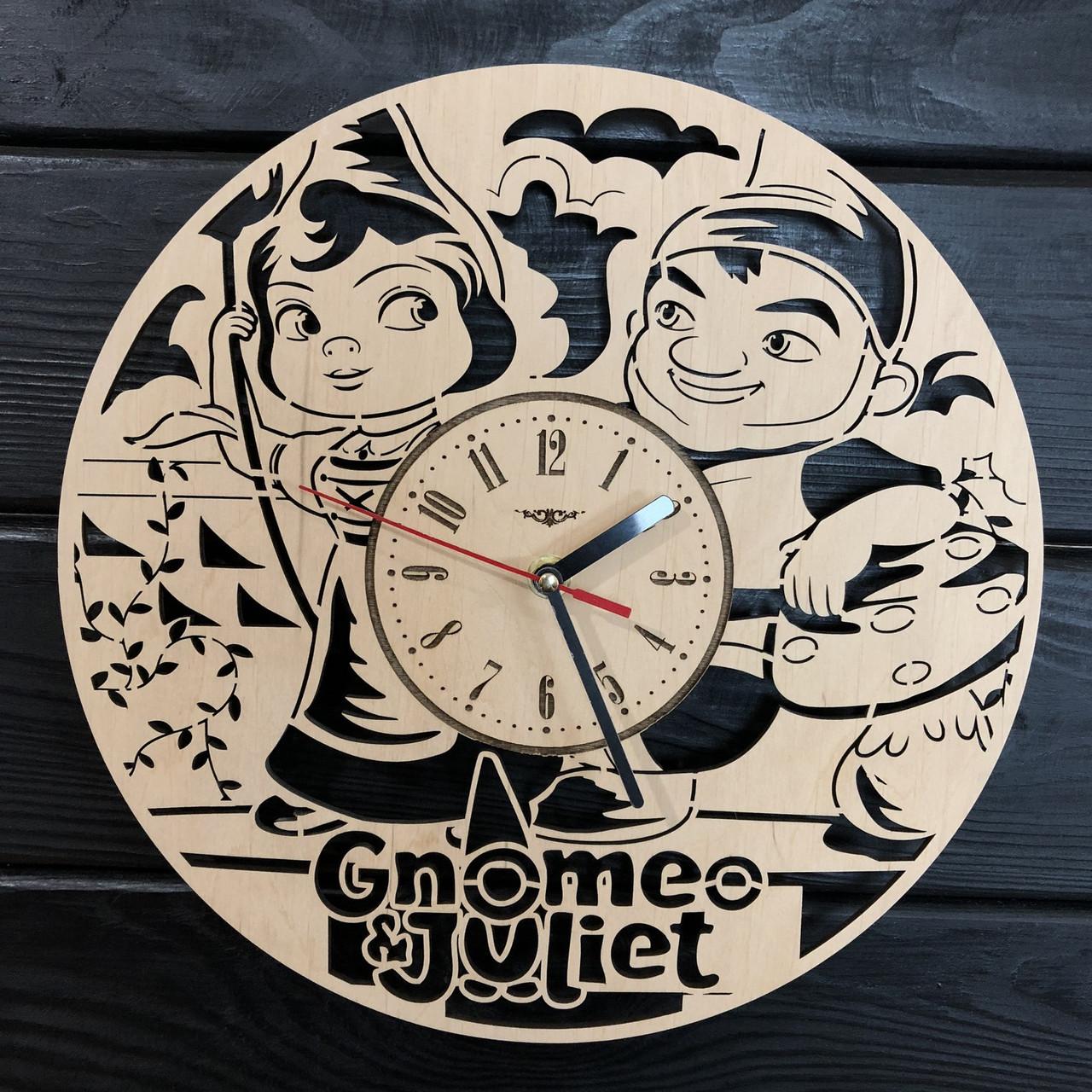 Детские настенные деревянные часы «Гномео и Джульетта»