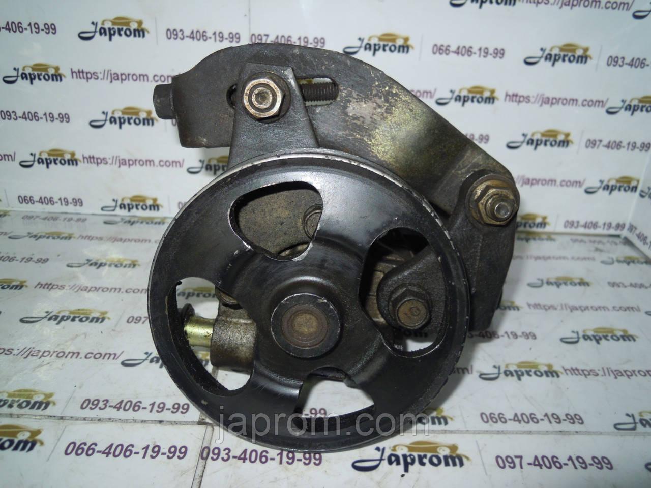 Насос гидроусилителя руля Mazda 323 BJ 1994-2002г.в 1.3 1.5 1.6 бензин KYB