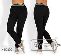 Летние брюки из крепа на резинке с карманами, зауженные к низу X10402