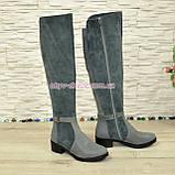 Ботфорты женские зимние на невысоком каблуке, натуральная кожа и замша серого цвета., фото 3