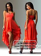 Яркое шифоновое платье без бритель, лиф декорирован стразами, спинка на резинке, с многослойной удлиненной сзади юбкой, коралловое