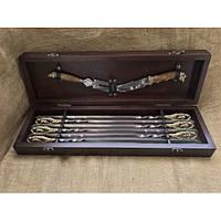 """Шашлычный набор в подарок мужчине """"Кабаны"""" (шампуры, нож, вилка для мяса), в кейсе из бука"""