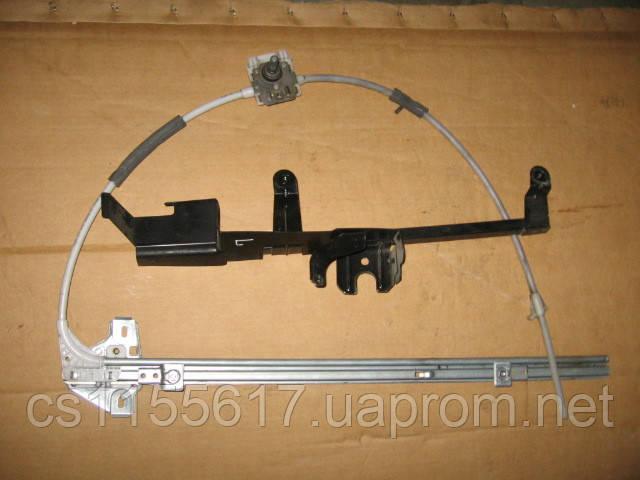 Стеклоподъемник левой двери б/у на Renault Master, Movano, Interstar 2003-2010 год (механический)