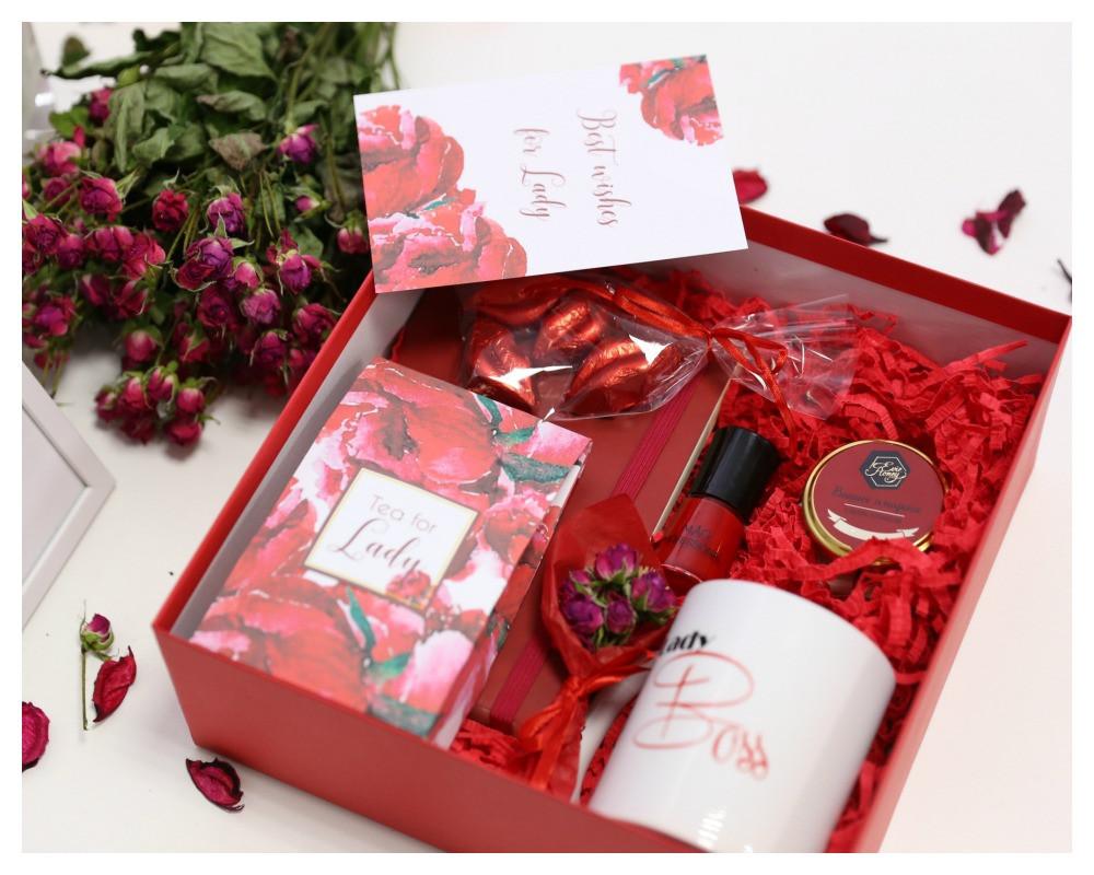 """Подарок для мамы  """"Lady in red"""""""