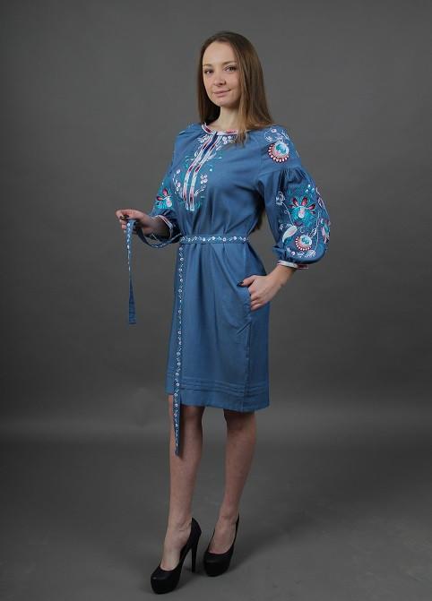 Красивое вышитое платье женское с поясом материал лен