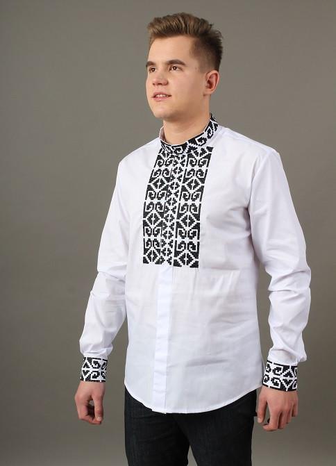 Батистовая мужская сорочка с вышитым орнаментом крестиком