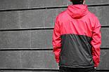 Мужская куртка ветровка с капюшоном красная с черным. Живое фото, фото 3