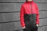 Мужская куртка ветровка с капюшоном красная с черным. Живое фото, фото 2