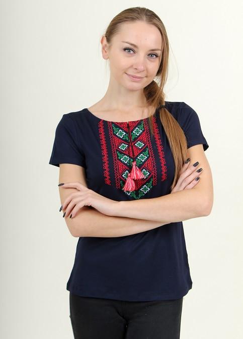Женская вышитая футболка с геометрическим орнаментом