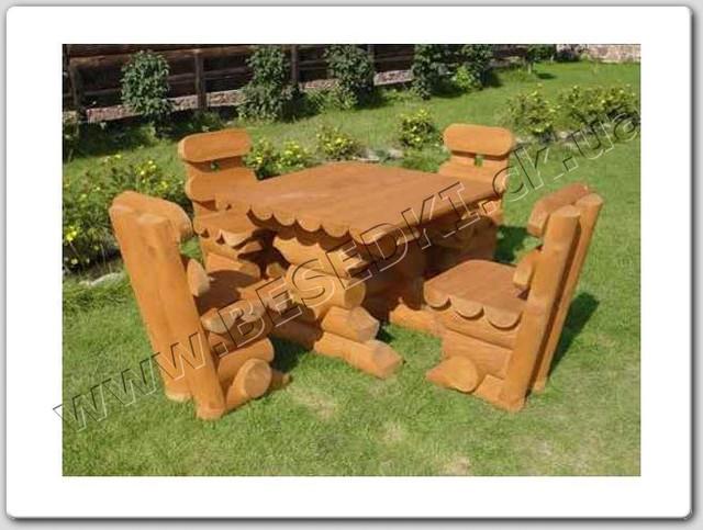 Комплект мебели из сруба (квадратный стол и 4-е стула)