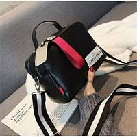 Модная маленькая женская сумка черная