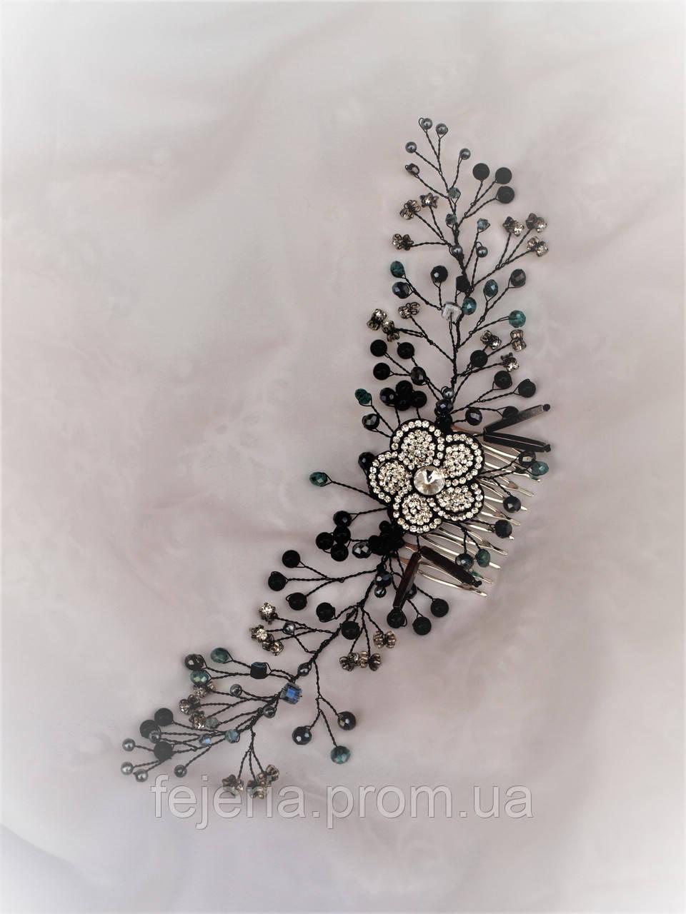Гребень в волосы черный с цветком
