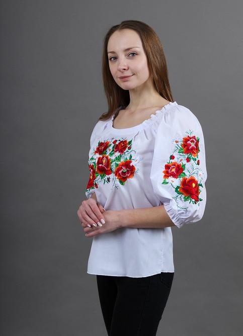 Нарядная белая вышитая блуза женская с маками