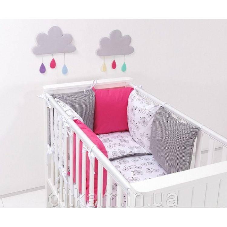 Комплект в кроватку Хатка 17 в 1 Велосипеды с розовым