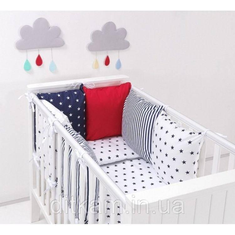 Комплект в кроватку Хатка 17 в 1 звезды синий с красным