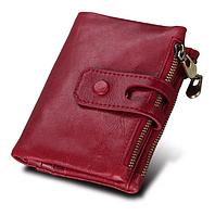 Небольшой красный женский кошелек