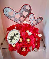 Букет из конфет на день святого Валентина ручной работы/ сувенир на день Влюбленных