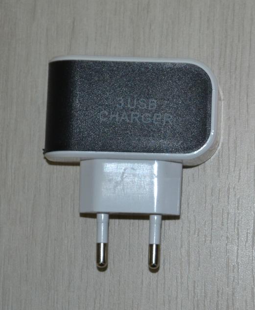 Блок питания на 3 USB 3.1A черный