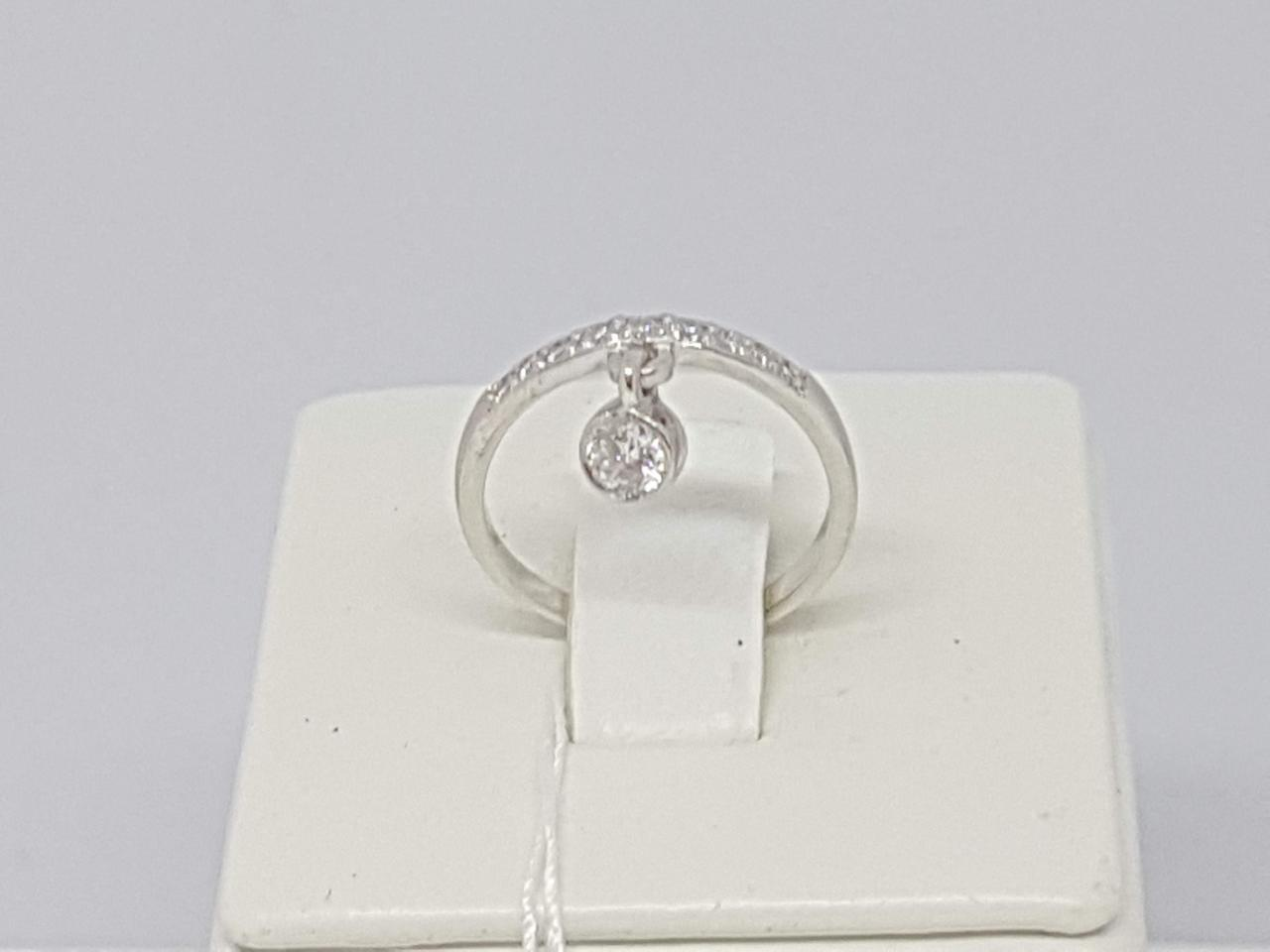 Серебряное кольцо с фианитами. Артикул 10015Р 15