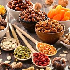 Горіхи, сухофрукти, ягоди, цукати