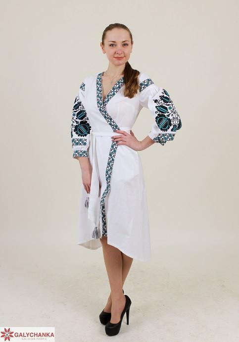 Праздничное женское платье  с вышивкой на запах