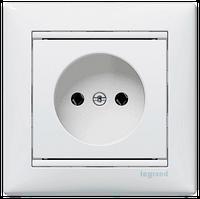 Механизм розетки (2К+3) 16А немецкий стандарт со шторками белый Legrand Valena 774421