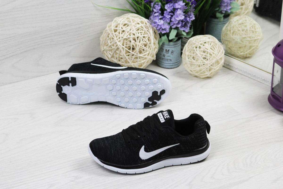 0d696468 Кроссовки женские весенние черно белые Nike Free Run 4.0 4901 (реплика)