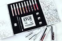 Подарочный набор декоративной косметики Kylie серебряный
