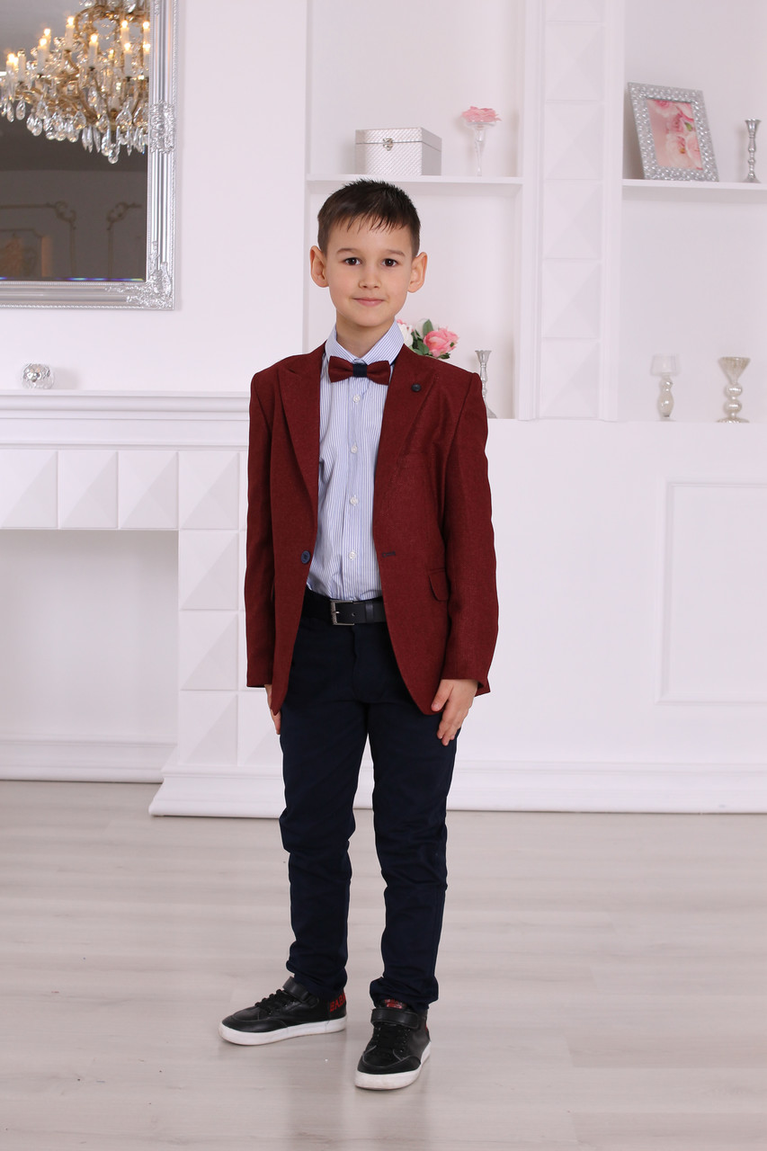 Нарядный комплект для мальчика Montella: бордовый пиджак, рубашка и синие брюки