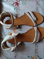 Женские сандалии Б/У - 38размер 24,5см по стельке