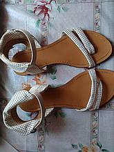 Жіночі сандалі Б/У - 38размер 24,5 см по устілці