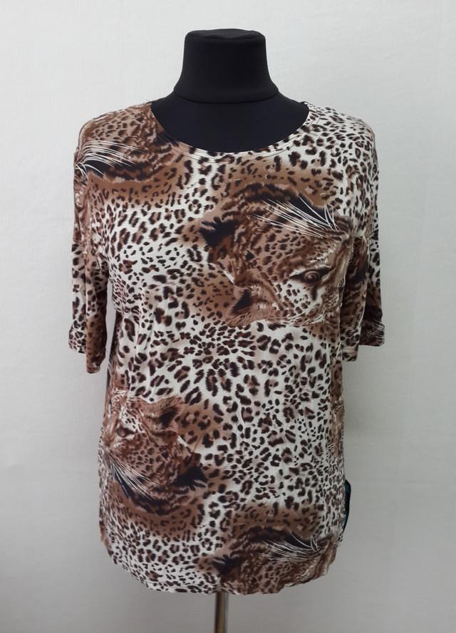 фотография женская футболка с короткими рукавами леопардовый принт