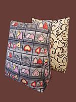 Треугольная подушка без наволочки в комплекте.Цветная. Белая