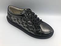 Черные мерцающие кожаные кроссовки на плоской подошве