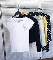 Летняя женская футболка с маленьким принтом фламинго (белая)