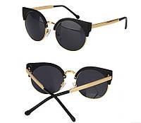 Очки солнцезащитные в ретро стиле - глаза кошечки, черный цвет, душки и обод окуляра металл золотистого цвета, фото 1