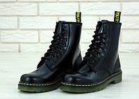 Ботинки женские Dr. Martens 31199 черные демисезонные