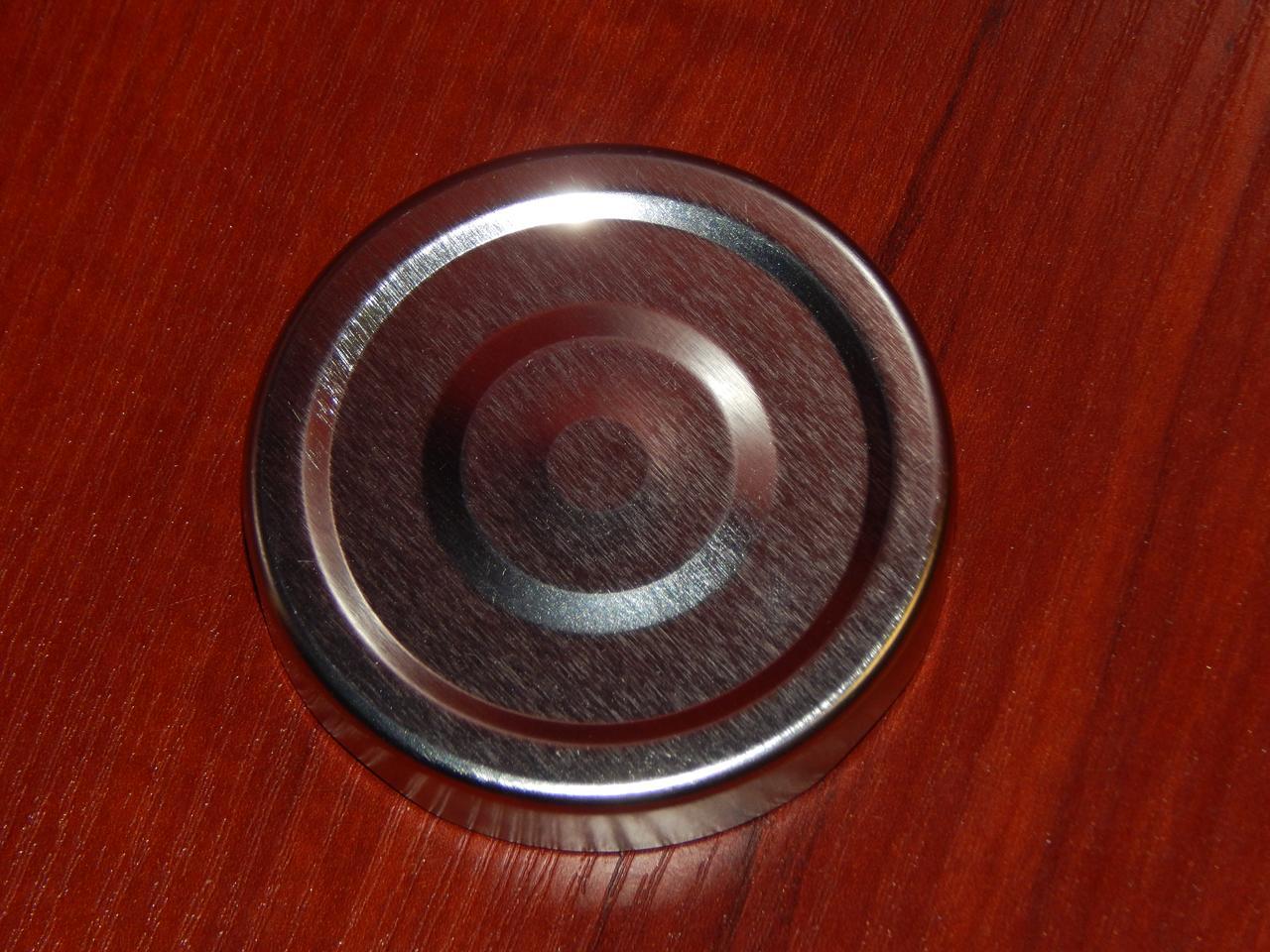Крышка закаточная твист-офф размер 63 мм Deep серебро (высота 15 мм) кнопка